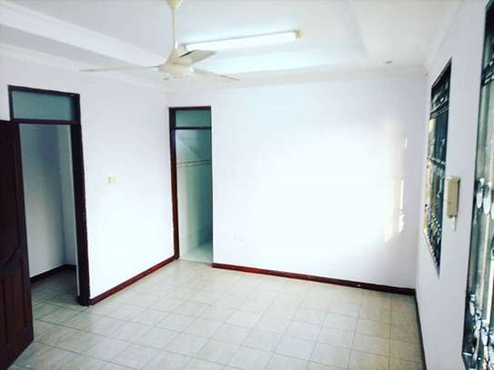 Three bedrm apart At MIKOCHENI for rent image 9