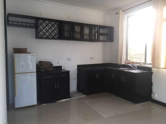 one bedrm,sitting room and kitchen ( MASAKI) for rent image 4