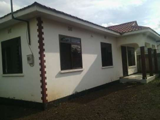 3BEDR HOUSE FOR RENT AT NJIRO image 2