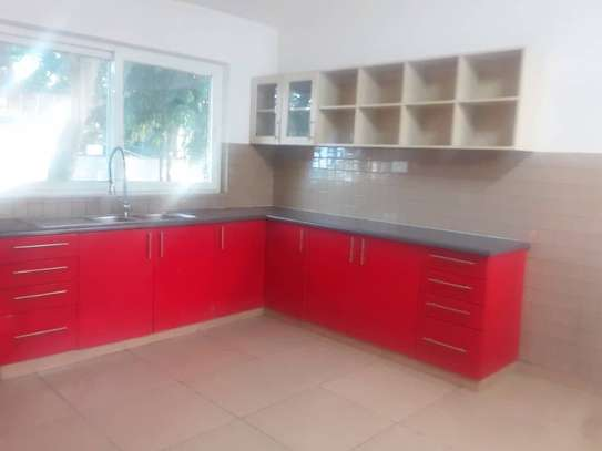 4 bed room house for rent at oyster bay image 6