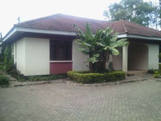 3BEDR.HOUSE FOR RENT AT AGM image 1