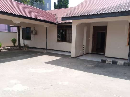 cheap house  for sale at masaki  dont miss ...just to solve probleams area 922sqm image 13