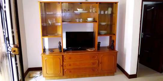 SPECIOUS 1 BEDROOM FULLY FURNISHED FOR RENT AT MIKOCHENI image 2