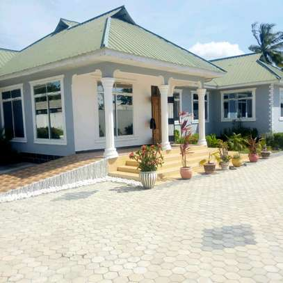 RENT OUR NICE STANDALONE KIGAMBONI HOUSE image 1