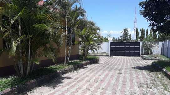 House for sale Salasala IPTL-with clean title deed image 4