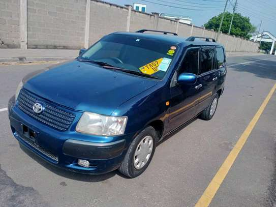 2004 Toyota Succeed image 1