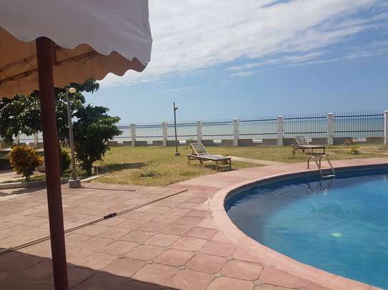 Outstanding Apartments with access to Beach image 2