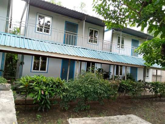 15 ROOMS PROPERTY  IN ADA ESTATE image 1