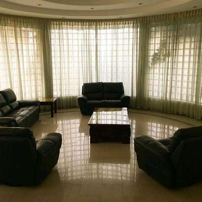 4bedrooms full furniture for rent image 3