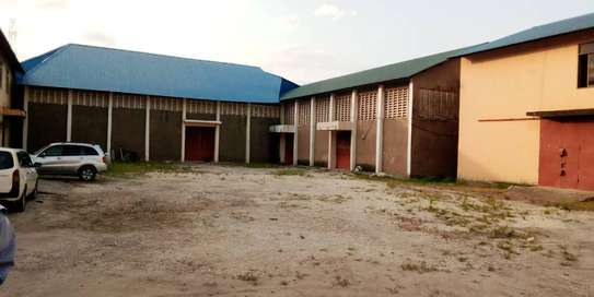 godown  available for rent at changombe industrial area  in differences sizes close to port of dar image 3