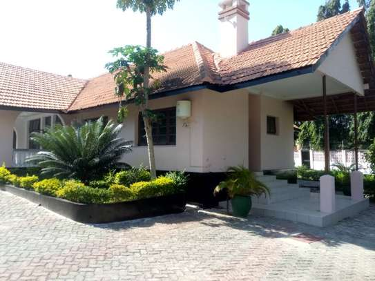 3 Bdrm Stand Alone House in Ada Estate image 1