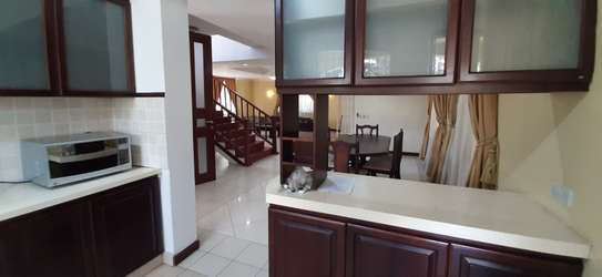 3 Bedrooms Plus Office Villas For Rent in Oysterbay image 9