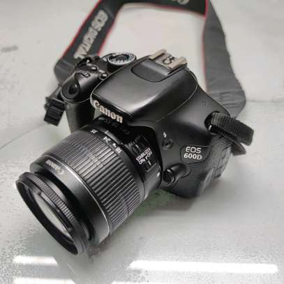 Canon EOS 600D Digital SLR Camera with EF-S 18-55mm f/3.5-5.6 IS Lens image 2