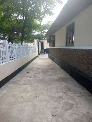 HOUSE FOR RENT AT ILALA BUNGONI image 4