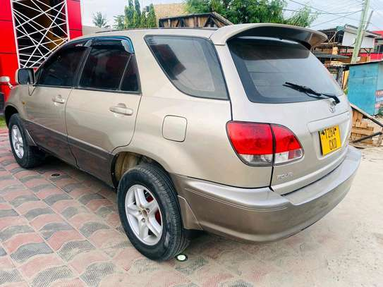 2001 Toyota Harrier image 7