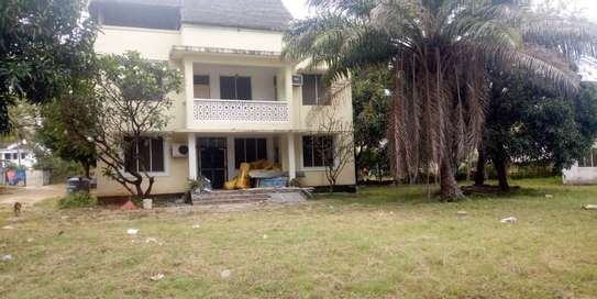 4bed  a stand alone house at regent estate  with big compound  ideal for school image 7