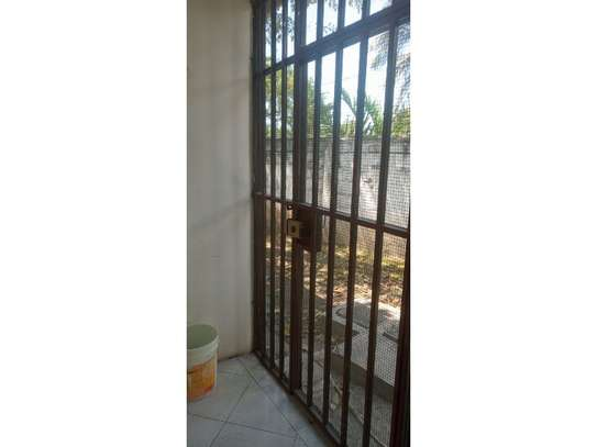3bed house at mikocheni regent  on main rd i deal for office  with nice price image 2