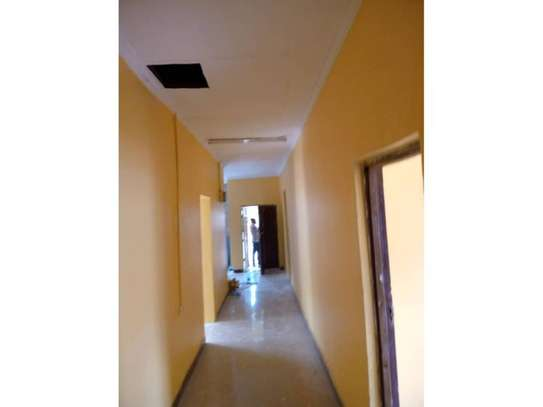 3 bed room house for rent at block  kinondoni moroco area image 5