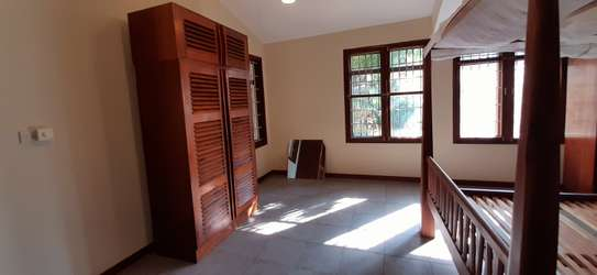 4 Bedrooms Clean House For Rent in Masaki image 10