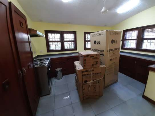 4 Bedrooms Clean House For Rent in Masaki image 2