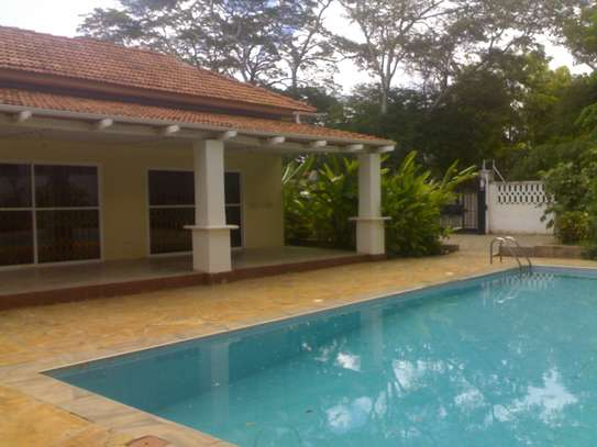 4 / 5 Bdrm Swimming Pool House at Mikocheni image 3