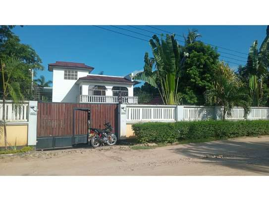 6bed house at mikocheni avacado $2000pm image 4