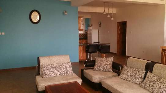 a fully furnished appartments are for rent near capetown fish market image 2