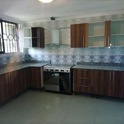 2 bedroomed Fully furnished apartments to Let at Victoria/Mikochen image 7
