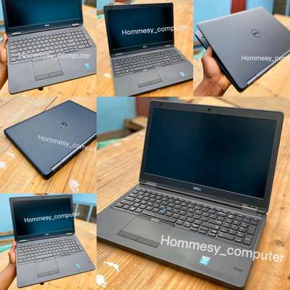 Gaming laptopdel latitude e5550 core i7 image 1