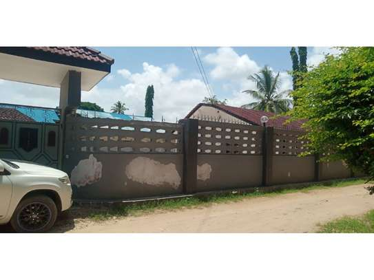 3bed house for sale 800sqm at mbezi beach africana tsh 350m image 9