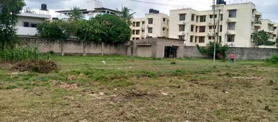 Plot for sale located at masaki opposite shoppers plaza image 4