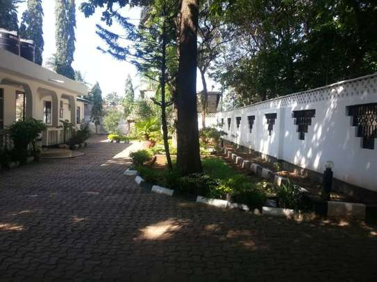 4 bed room house for rent 1.2mil at mbezi beach image 3