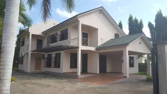 5 bed room house for sale at boko chasimba image 1