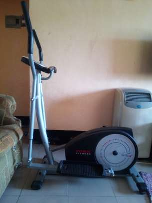 Elliptical/Cross trainer/ strider