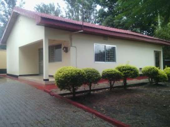 8BEDR. SEMI FURNISHED HOUSE FOR RENT AT NJIRO image 4