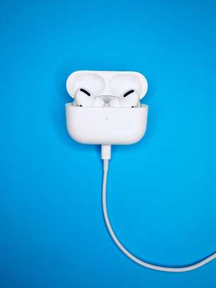 AIRPODS PRO image 4