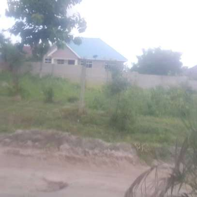 Plot for sale Madale kwa kawawa image 4
