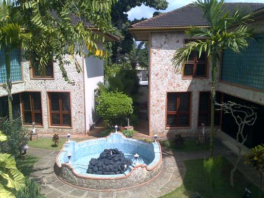 Nice 6 bedroom Bungalow for Rent at Upanga