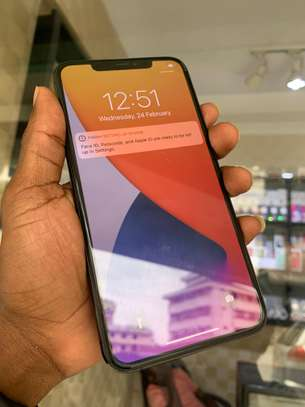 iPhone 11 Pro Max 256GB Spacegray for sale image 4