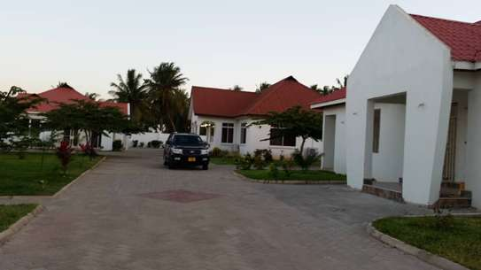 VILLA APARTMENT FOR RENT - MBEZI BEACH image 3
