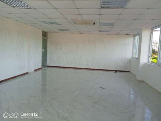 Office building to let in oyster bay sq meter 1200 image 2