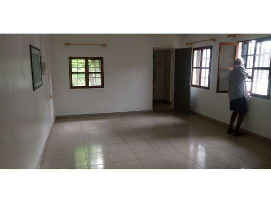 amaizing beach house for rent at ras kilomoni $1200pm image 4
