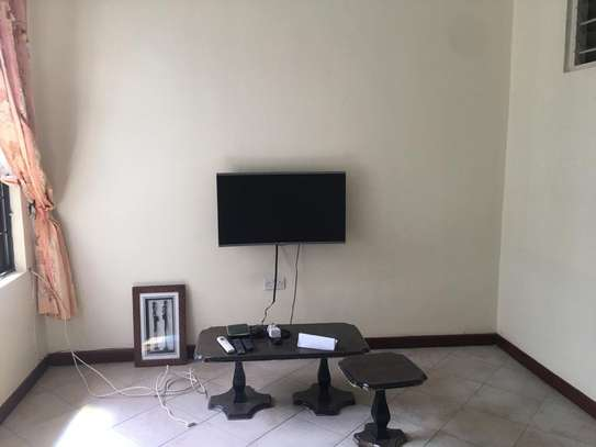 Rent house in Upanga Dar es salaam image 2