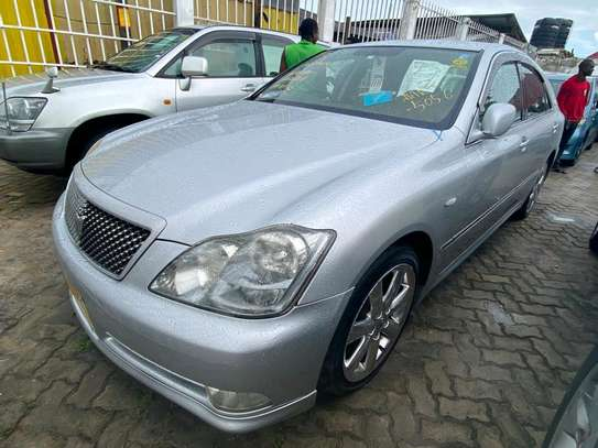 2005 Toyota Crown Athlete image 4