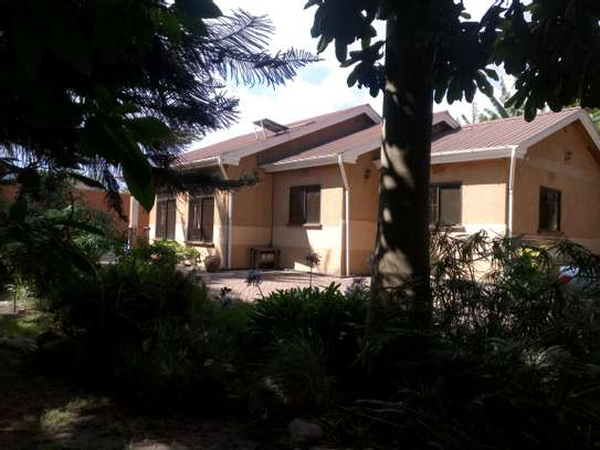 5BEDROOMS SEMI FURNISHED AT NGARAMTONI FOR RENT image 1