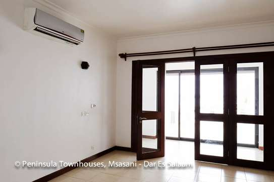 3 Bedrooms Townhouse With Sea View in Msasani image 14