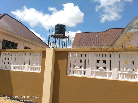 House for rent DODOMA image 2
