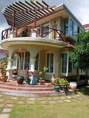 6bed house for sale at bunju beach  area 1860 sqm image 2