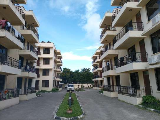 3 Bedrooms apart for rent at masaki image 2