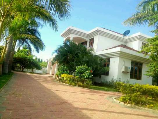 HOUSE FOR RENT MBEZI BEACH image 2